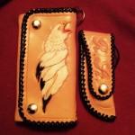 Brieftasche mit Adler und Messertasche mit Initialien